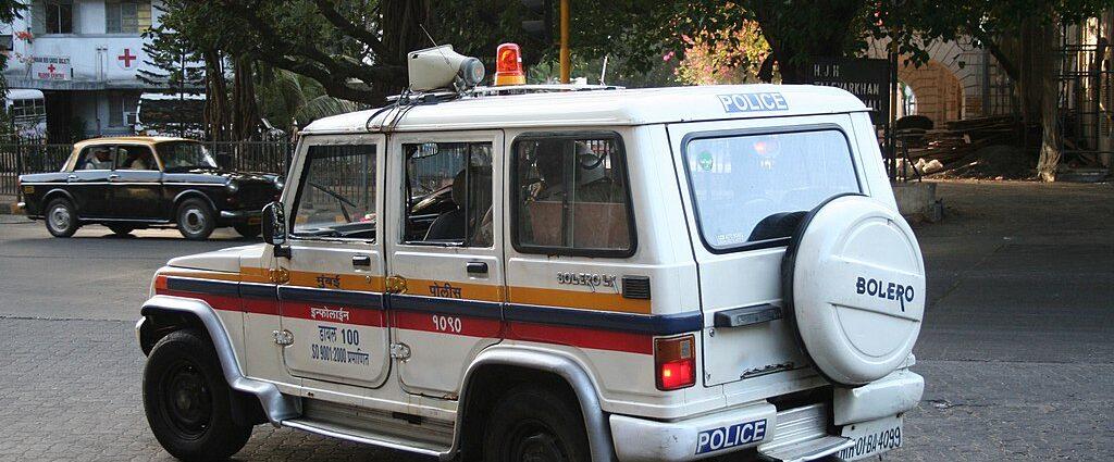 Mumbai_Police_Mahindra_Bolero_Patrol_Car